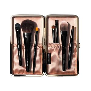 Bobbi-Brown-PinselSet-Caviar-Oyster-Travel-Brush-Set