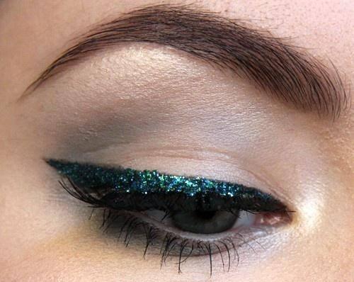 Glitzer-Eyeliner