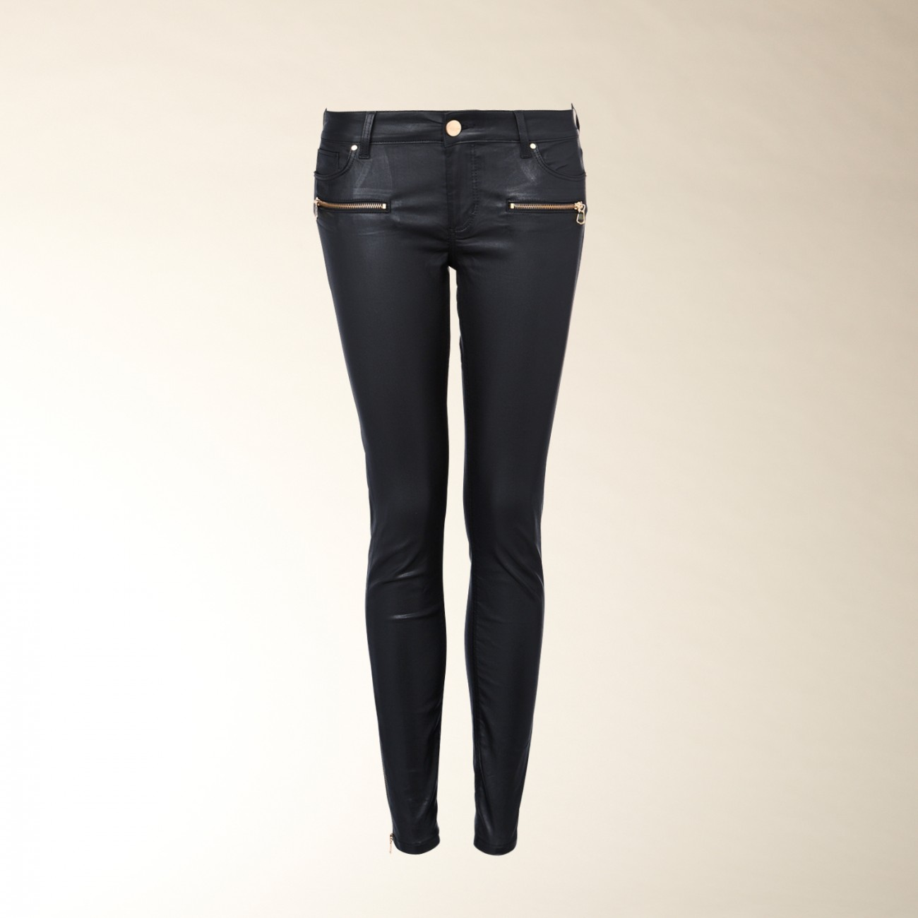 """Pick of the Week"": Die Coated Jeans von Hallhuber im Balmain-Style…"