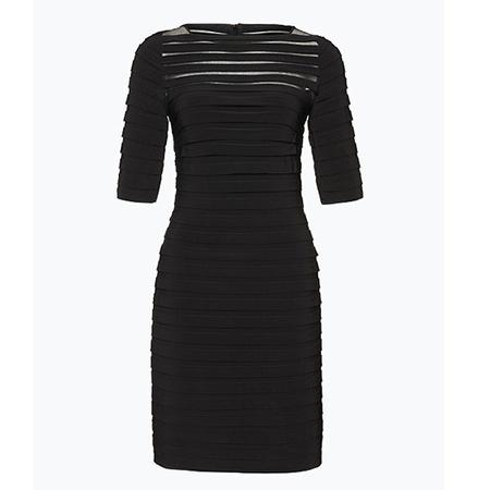 Adrianna-Palpell-Weihnachten-Outfit-Kleid