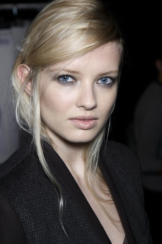 frisuren-haare-trends-trendfrisuren-new-york-fashion-week-seitenscheitel-01