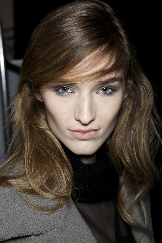 frisuren-haare-trends-trendfrisuren-new-york-fashion-week-seitenscheitel-07