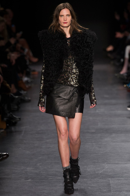 Trend-Pluesch-Wickelrock-Isabel-Marant-Fashion-Week-Paris