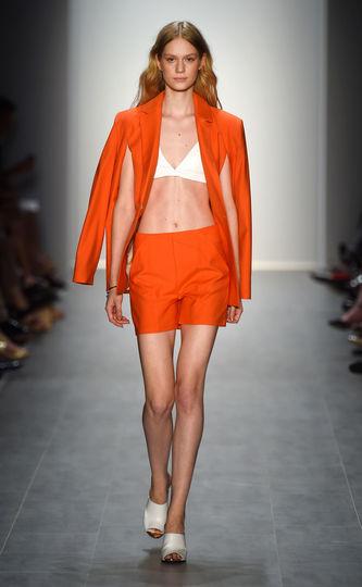 ss-2015-fashion-week-berlin-malaikaraiss-trend-bh-weiter-ausschnitt